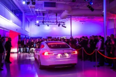 Inauguration du concessionnaire Tesla Montréal - 2014